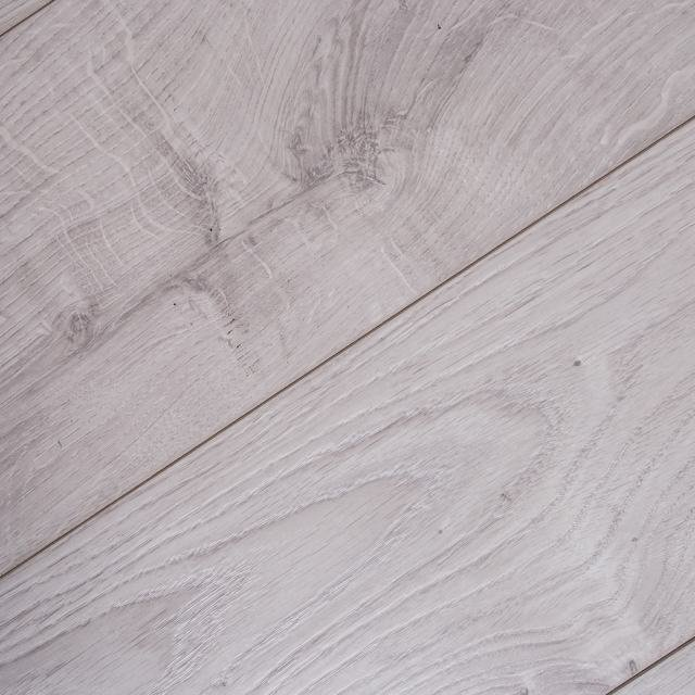 Kronotex Mammut 12mm Everest Oak White 4V Laminate Flooring